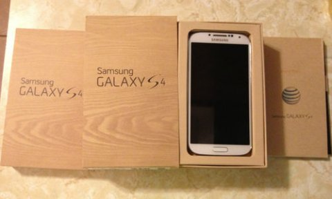 Offer:Samsung S4,iPhone 5,Q10,