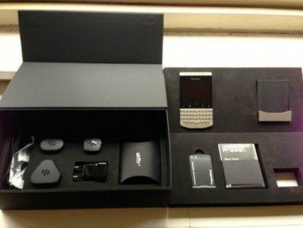 BlackBerry Porsche Design P9981( ADD ME 226D1779)