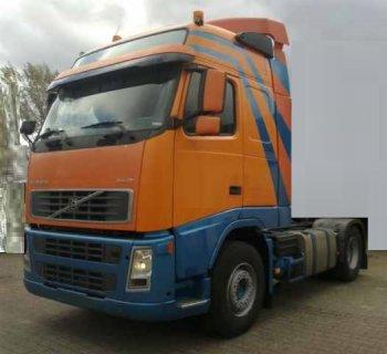 شاحنة فولفو FH12 460 سنة الصنع 2004