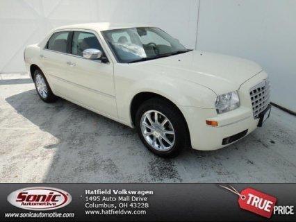 سيارات امريكية للبيع تقدم سيارة 2010 Chrysler 300