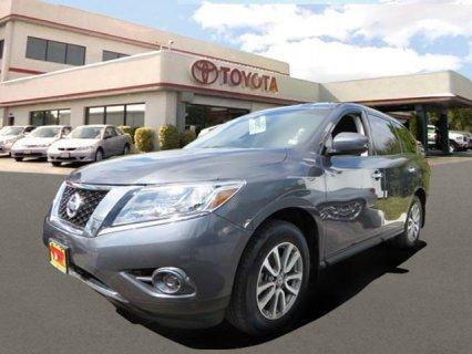 سيارات امريكية للبيع تقدم سيارة 2013 Nissan Pathfinder S