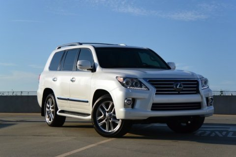 للبيع Lexus Lx570 2014 ( Gulf Spec )  Call or WhatsApp CHAT  +25
