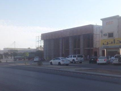 صالات للايجار بموقع مميز بحى العزيزية جنوب الرياض