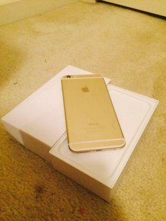 For sell Appe IPhone 6 & 6 plus Gold whatsapp +254700715769