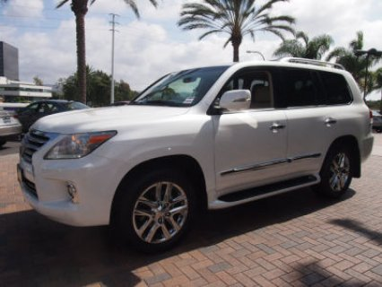صور Fairly Used Lexus LX 570 2013 Car 1