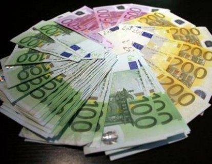القروض التجارية غير المضمونة والنقدية الشخصية متاح