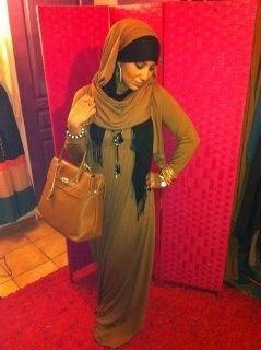 انا فتاة مسلمة و طيبة و حنونة و مثقفة