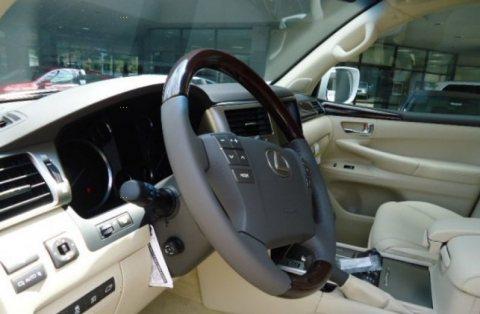 2013 لكزس إل إكس 570 للبيع