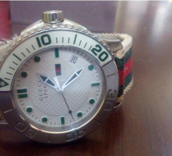 ساعة ماركة GUCCI اصلية