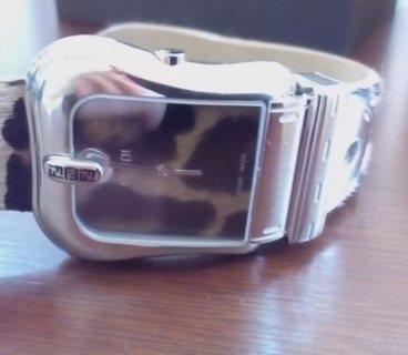 ساعةماركة FENDI اصلية
