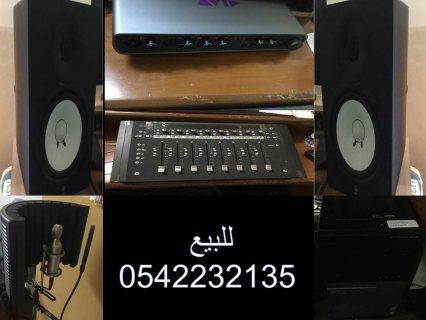 اجهزة استوديو صوتي مع الكمبيوتر والبرامج كامله