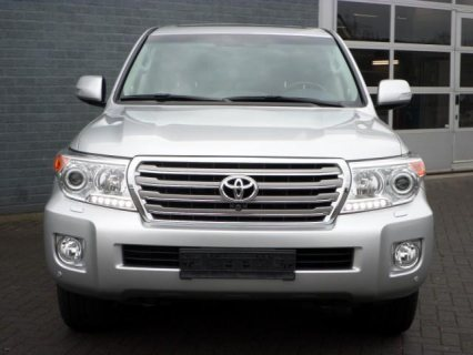 BUY- 2014 TOYOTA LAND CRUISER