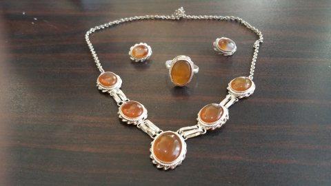 طقم مجوهرات نسائي عقيق يمني بنــي طبيعي 100% Onyx Agate