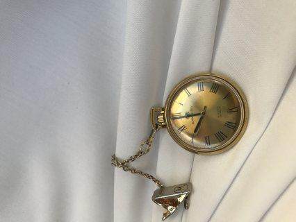 ساعة قديمة عمرها 100سنة