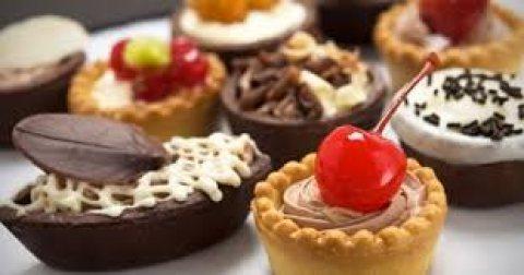 شيف حلويات خبرة في أرقى المطاعم والفنادق
