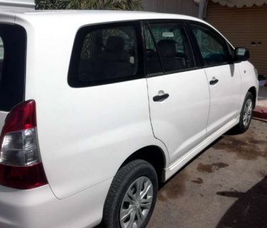 سيارة تويوتا إنوفا 2014 للبيع