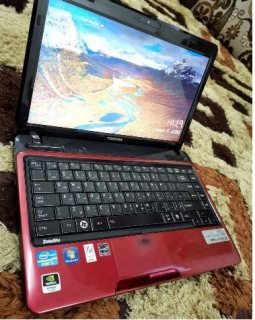 لاب توب Toshiba i5 لون مميز للبيع
