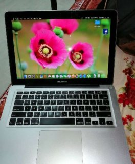 MacBook pro 8gb ram 500gb hard storage