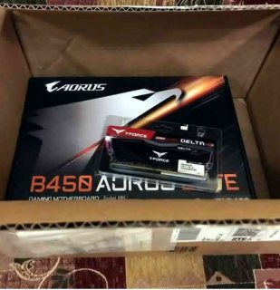 لوحه ام من GIGABYTE Arous B450 elite