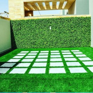 تركيب جميع انواع العشب الصناعى للملاعب والحدائق