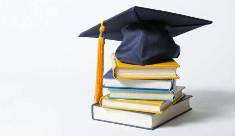 هل تريد الحصول على منحة دراسية في بريطانيا ؟