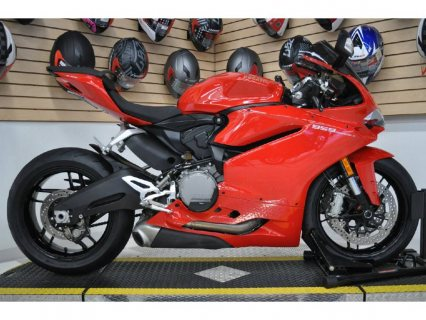 ducati panigali whatsapp... +12545234804 clean