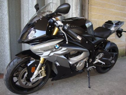 bmw s 1000rr  whatsapp... +971558571952