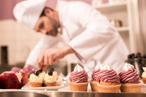 حاليا متوفر لدى شركة الاسمر معلمين حلويات و مخبوزات من المغرب و تونس