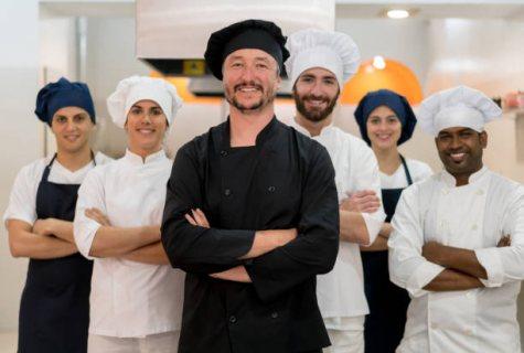 طاقم شيفات وطباخين للعمل بالفنادق والمطاعم عبر شركة الأسمر من المغرب