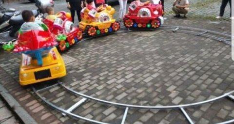 قطارات أطفال كهربائيه بأشكال متميزه للبيع قطارات القطار الكهربائي