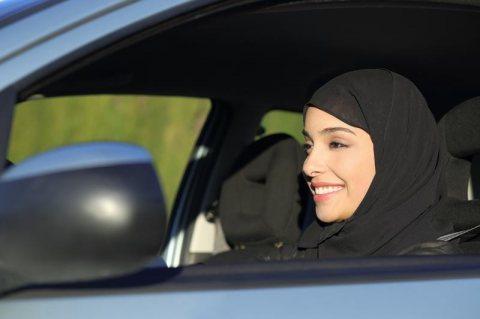 رخصة قيادة سعودية للنساء