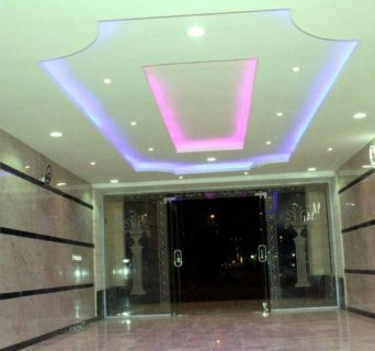شقة 4غرف اماميه مدخلين ب اقل أسعر قريب من جميع الخدمات