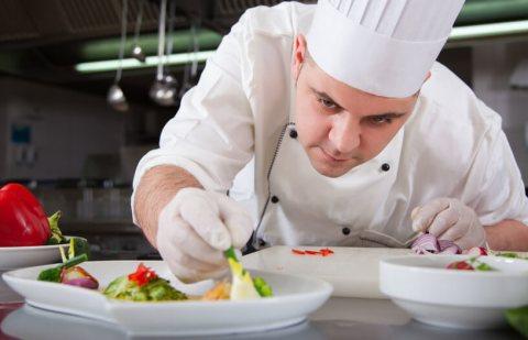استقدام طباخين مغاربة خبرة بالطبخ المغربي و الاروبي بارقى المطاعم