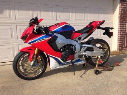 Honda  CBR   1000cc......whatsapp......+971556543345