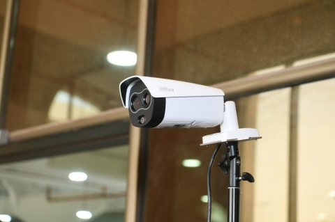 كاميرات تساعد في مكافحة COVID-19 CORONA