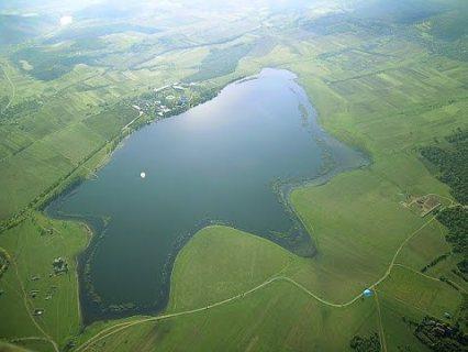 اراضي للبيع في جورجيا تبعد 150 متر عن بحيرة بازاليتي