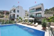 فيلا جاهزة بمنطقة سياحية مميزة في تركيا أنطاليا.