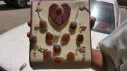 طقم مجوهرات نسائي عقيق يمني مزهر ابيض و بنــي طبيعي 100% Onyx Agate